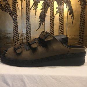 NWOB Birkenstock Tatami 265 Triple Strap Sandal
